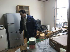 遺品整理と不用品回収スタッフ