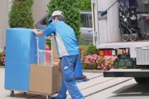 荷物の搬入作業