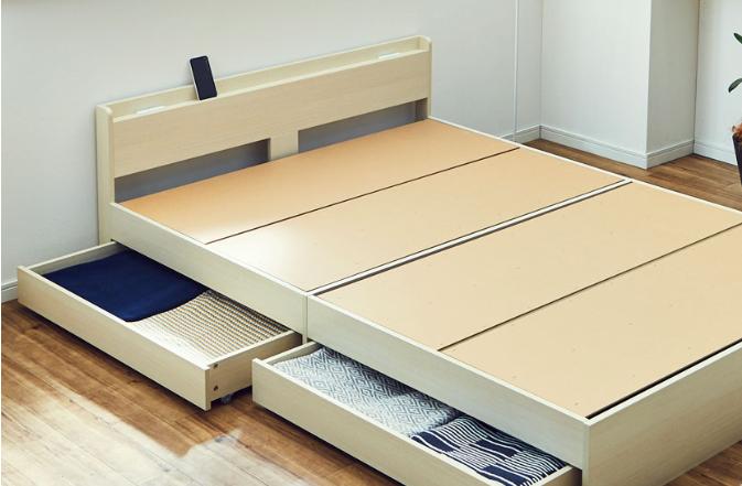 ベッドの組み立て作業