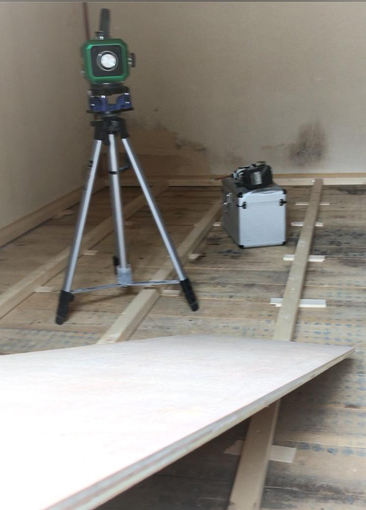 畳からフローリングに施工中下地